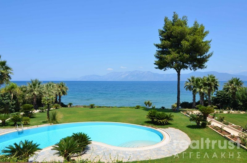VILLA for rent 1.500€ CHALKIDA EVOIA (code P-16607)
